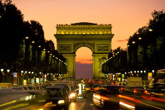 Conhecer Paris poupando